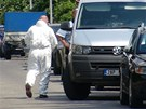 Zásah pyrotechniků kvůli granátu v ulici U Páté baterie v Praze (22. června