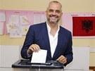 Vůdce opozičních socialistů Edi Rama u voleb (23. června 2013)