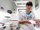 Postup při testování virů chřipky pomocí kvantových teček.