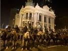 Při čtvrtečních protestech vyšlo do ulic na 800 tisíc lidí (20. června)