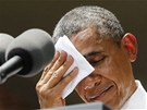 Barack Obama se při  projevu na Georgetownské univerzitě pěkně zapotil.