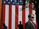 Ochranka prezidenta Obamy při jeho projevu na Georgetownské univerzitě (25.