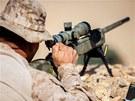 Odst�elova� z 26. expedi�n� jednotky americk� n�mo�n� p�choty b�hem ostr�ch