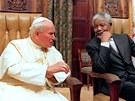 SETKÁNÍ LEGENDÁRNÍCH POSTAV. Papež Jan Pavel II. navštívil během své cesty po...