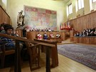 Martin C. Putna dostal profesorský dekret z rukou ministra školství Petra