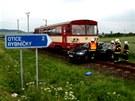 Nehoda se stala na silniční odbočce k Oticím a trati mezi Hradcem nad Moravicí