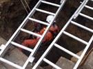Na Znojemsku se starší žena propadla do studny. Vytáhli ji hasiči, už ale byla