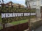Romsk� m�tink se kon� jen kousek od protiromsk� demonstrace D�lnick� strany...