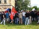 P��znivci D�lnick� strany soci�ln� spravedlnosti v Duchcov�. (22. �ervna 2013)