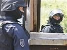 Taktické policejní cvičení proti teroristům v železničním depu v České Třebové.