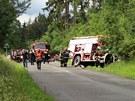 Hasi�i se po z�sahu u jin� dopravn� nehody sami srazili s osobn�m autem.