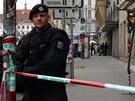 Policie uzavřela kvůli přepadení cestovní kanceláře Fisher celou Revoluční