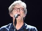 Eric Clapton b�hem koncertu v pra�sk� O2 aren� 19. �ervna 2013