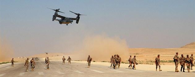 Výsadkový letoun V-22 Osprey b�hem cvi�ení Eager Lion v Jordánsku