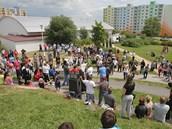 Douhodobé problémy v soužití bílé většiny a Romů na českobudějovickém sídlišti