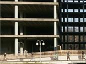 Betonový skelet v Ostravě se nejméně další dva roky v něco smysluplného nepřemění.