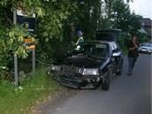 Šofér Škody Octavie narazil ve Vítkově na Opavsku do plynové přípojky. (23.