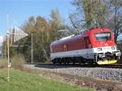 Lokomotiva 109 E (řada 381) při měření elektromagnetického rušení speciálními