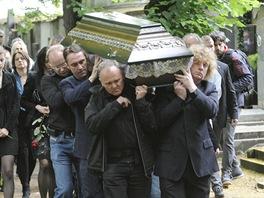 Hudebník Filip Topol byl 26. června 2013 uložen do rodinné hrobky.