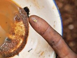 Dříve bývalo v řece kolem města Kapoeta na jihu Súdánu zlata spousta, prodávalo