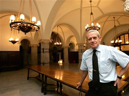 Takto vypadal interiér restaurace ve sklepení radnice před několika lety.