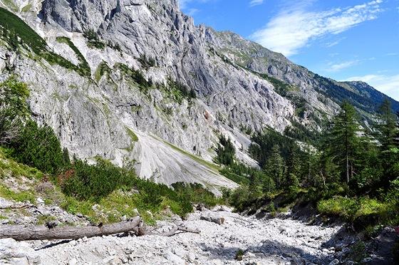 Turistická trasa pod chatou Voisthalerhütte