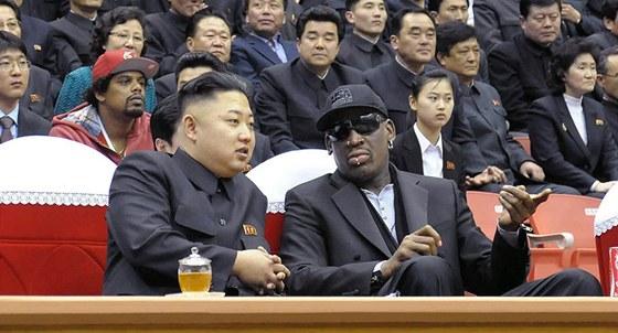 Dennis Rodman (vpravo) si se severokorejským lídrem Kim Čong-unem padl do oka...