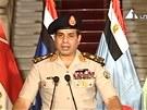 Šéf armády generál Al-Sisí oznamuje, že zbavuje prezidenta Mursího funkce (3.