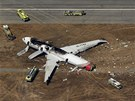 Trosky Boeingu 777 spole�nosti Asiana Airlines, kter� v sobotu havaroval a