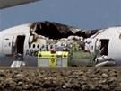 Trosky Boeingu 777 společnosti Asiana Airlines, který v sobotu havaroval a