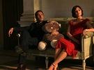 Jean Dujardin a Valeria Golino ve filmu Cash