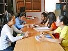 Studentky v dívčí koleji Harpswell Foundation v phnompenhské čtvrti Teuk Thla