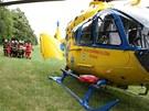 Rychle do záchranářského vrtulníku. (6. července 2013)