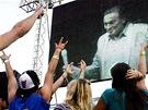 Karel Gott zpívá na festivalu Rock for People v Hradci Králové (4. července