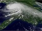 Satelitní snímek hurikánu Katrina z 29. srpna 2005. Američtí klimatologové