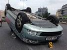 Mladý řidič Porche Cayenne natlačil šoféra Škody Octavie jedoucího v