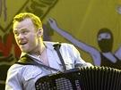 Z vystoupení kapely Gogol Bordello na festivalu Rock for People (3. července