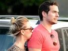 Henry Cavill a Kaley Cuoco (3. července 2013)