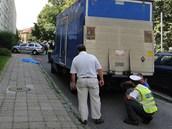 Smrtelná nehoda se stala v ulici Polní v Hradci Králové. (8. 7. 2013)