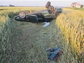 Rychlá jízda zřejmě způsobila nehodu osobního auta na Prostějovsku. Po