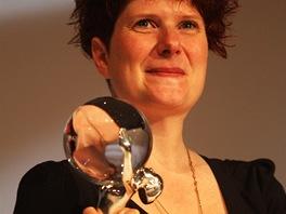Režisérka Alice Nellis s diváckou cenou ze 48. ročníku filmového festivalu v