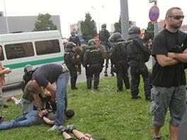 Protiromské protesty přerostly v sobotu v Českých Budějovicích ve srážky s...