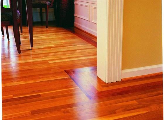 Nový trend v natírání dřevěných podlah –oleje a vosky PNZ