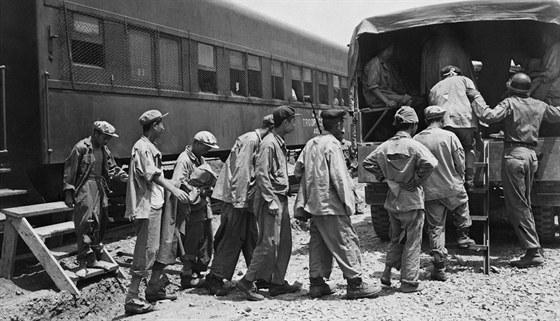 Někteří zajatci se po skončení války vrátili domů.