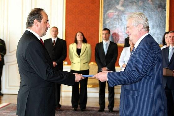 Prezident Miloš Zeman jmenoval novou vládu premiéra Jiřího Rusnoka. Ministrem
