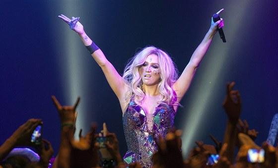Americká zpěvačka Kesha vystoupila v pražském klubu Sasazu (18. července 2013,...
