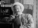 Takto se Jaroslav Charfreitág nechal zvěčnit na počátku 20. století.