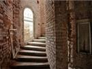 Chátrající lázeňské domy v Kyselce. Rekonstrukce čeká i Mattoniho vilu.