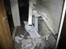 Poškozené zařízení hotelu.