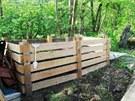 Dřevěný dvoukomorový kompostér